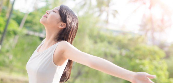 体によい深呼吸の詳しいやり方や、様々な効果について解説 | マナラボ