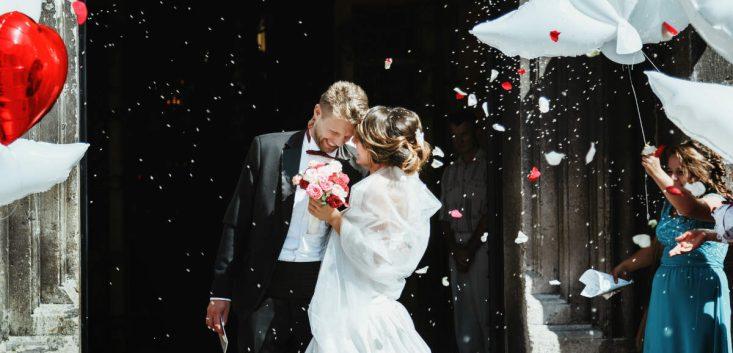 結婚式の乾杯の挨拶の基本の流れ 乾杯の挨拶で注意するべき事の解説
