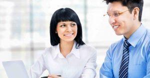 付き人とってどんな仕事?マネージャーとの違いと付き人のつく業界