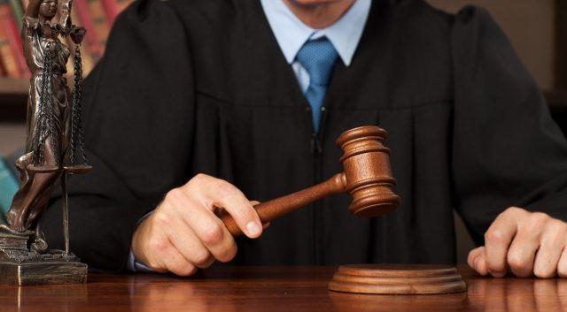 裁判官とは|仕事内容・司法試験・年収・勤務体系などを解説 ...